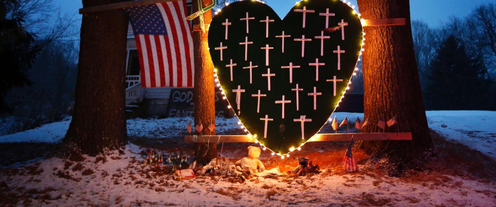 ap_newtown_memorial_ll_141211_12x5_1600